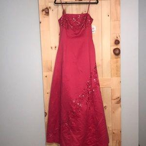 Dresses & Skirts - NWT! Pink Formal Dress w Beading size 11